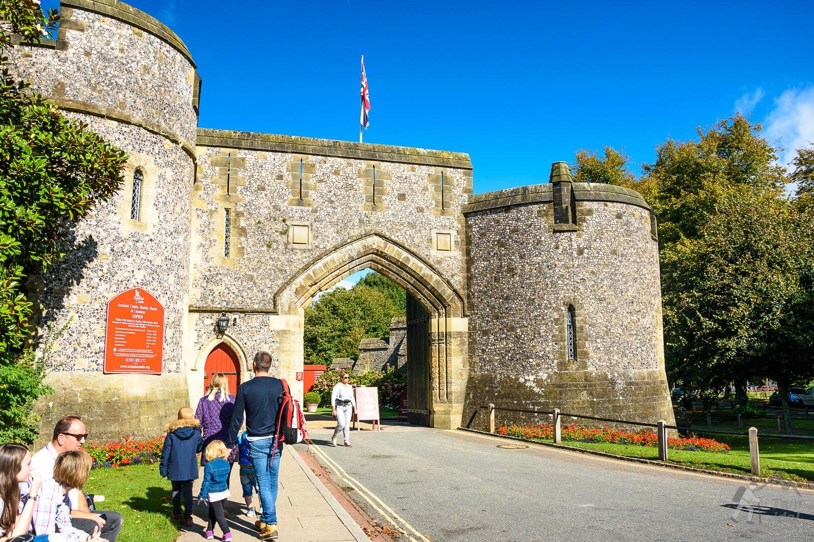 Zamek Arundel główna brama