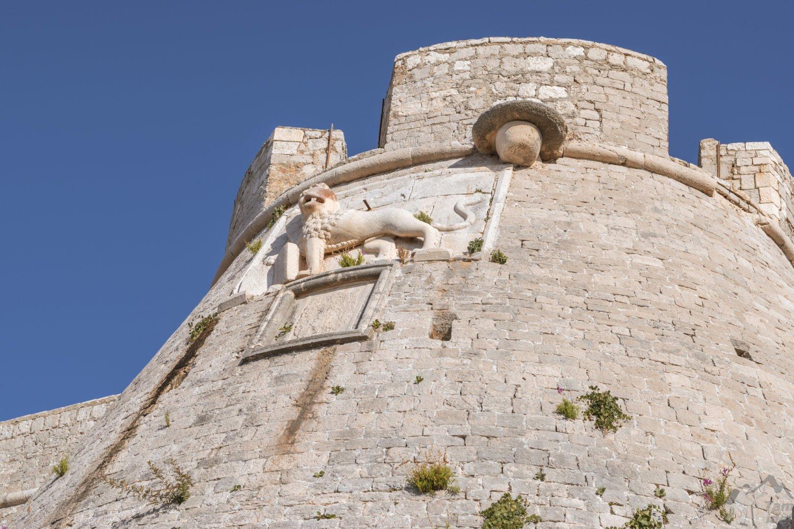 Lew wenecki na murach twierdzy