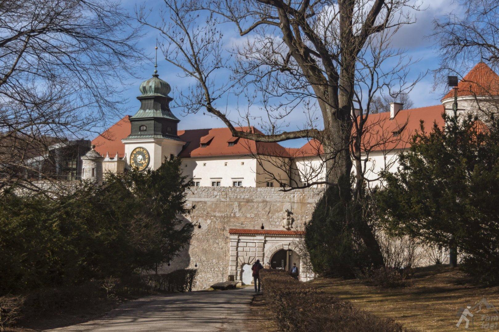 Brama zamku Pieskowa skała