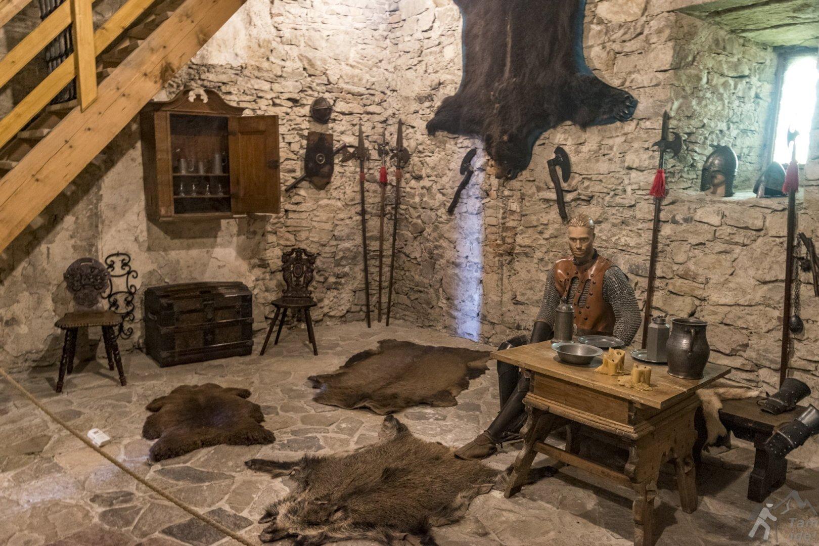 Zamek Niedzica sala rycerska