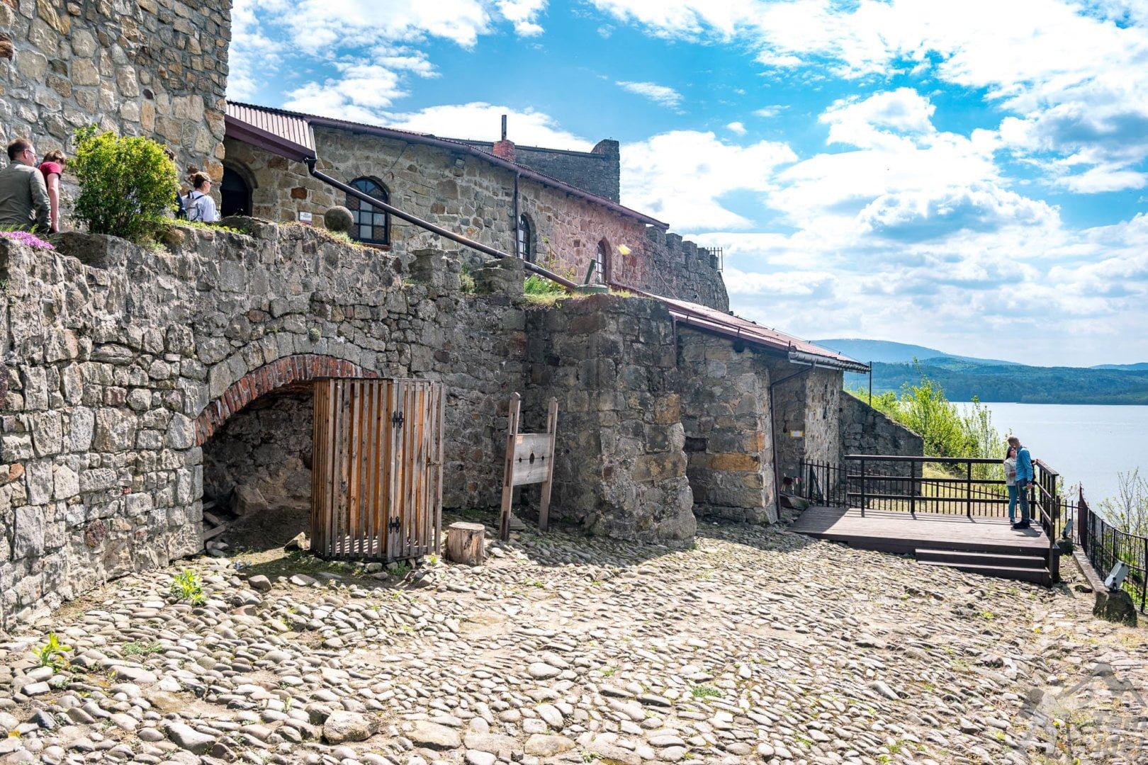 Zamek w Dobczycach - Dziedziniec