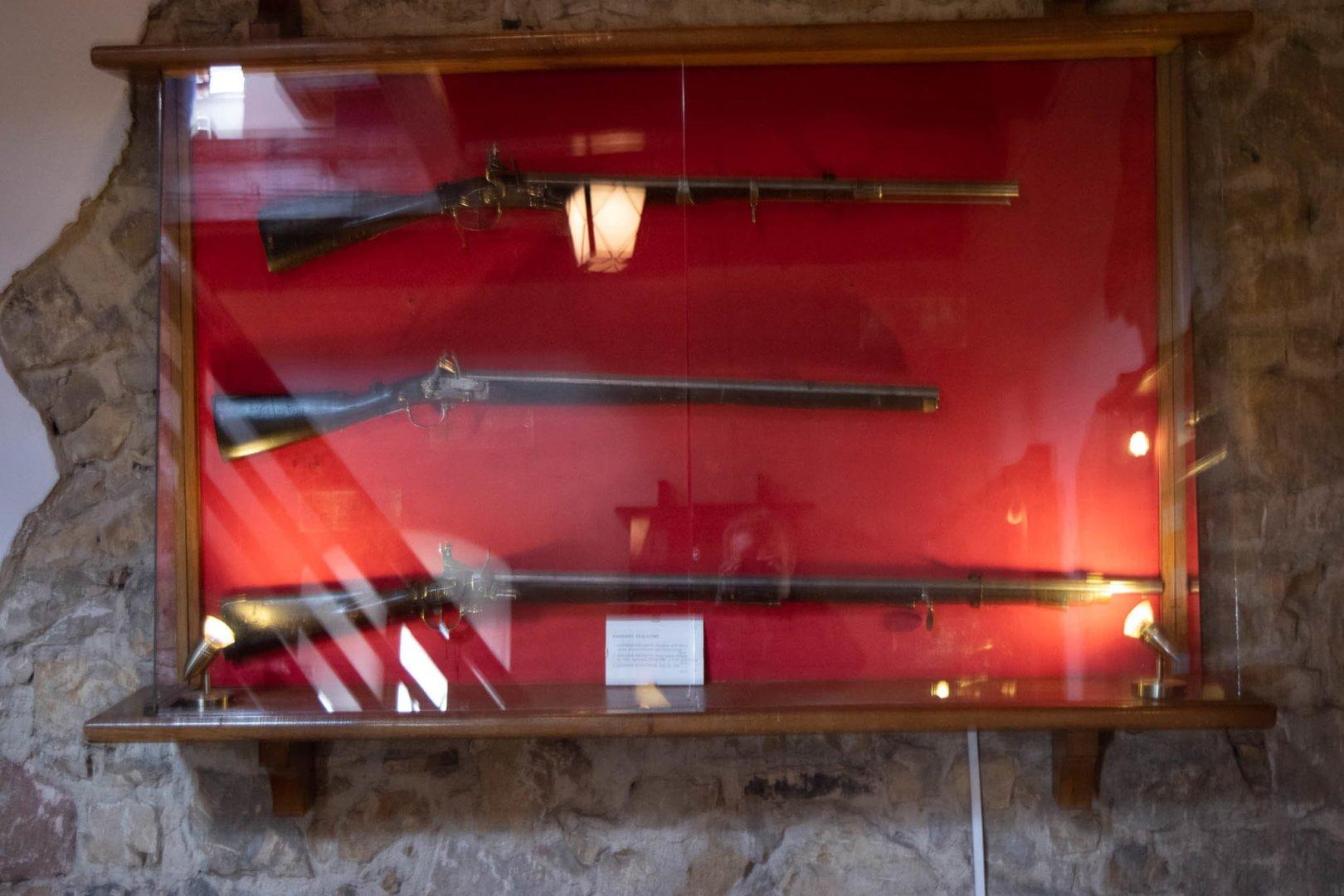 Zamek w Będzinie wystawa militariów