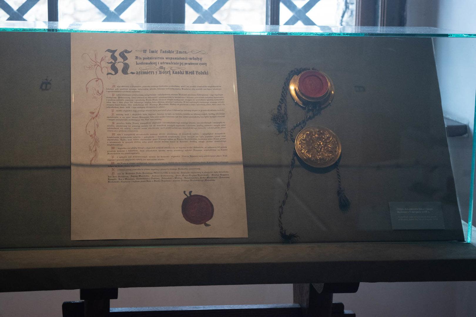 Dokument fundatorski zamku w Będzinie i pieczęć królewska