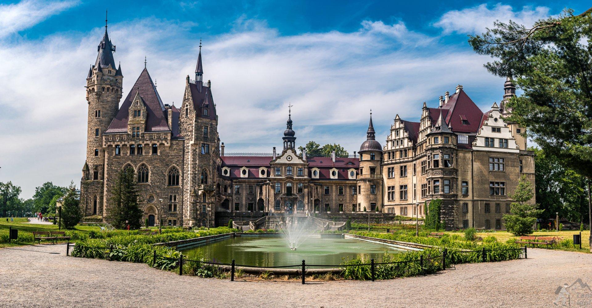 Zamek w Mosznej panorama