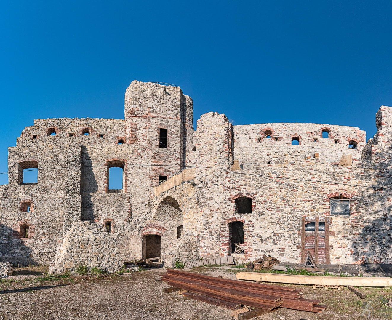 Wieża Dorotka i komnaty zamku Górnego